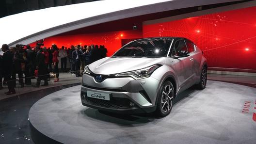 Тойота начала выпуск нового кроссовера C-HR вТурции
